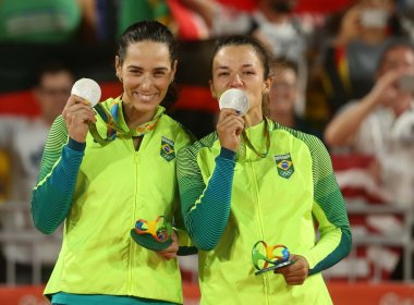 Após prata na Olimpíada, Ágatha e Bárbara Seixas encerram dupla