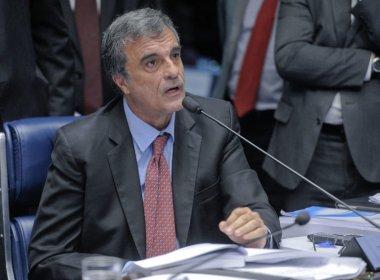 Dilma Rousseff faz ligação para Cardozo e elogia defesa no Senado