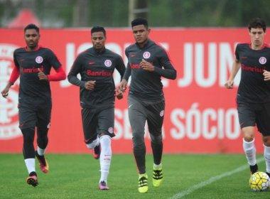 Roth monta Inter com apenas três titulares para encarar o Santos