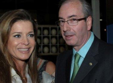 Cunha recebe visita da mulher na carceragem da PF em Curitiba