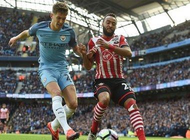 City empata e chega à 5ª partida seguida sem vitória, mas é líder no Inglês