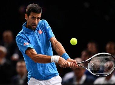 Djokovic bate Dimitrov de virada e avança às quartas de final em Paris