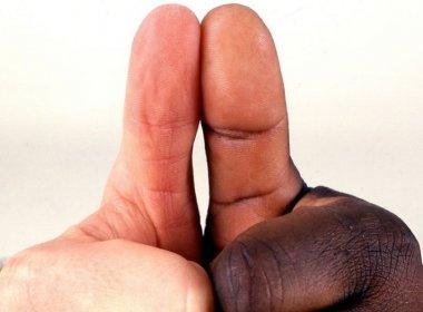População que se declara parda se iguala à que se diz branca, diz IBGE