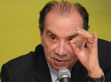 Líder do governo no Senado cobra Temer sobre nomeação de Imbassahy