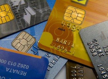 Juro do rotativo do cartão de crédito passa para 482,1% ao ano em novembro