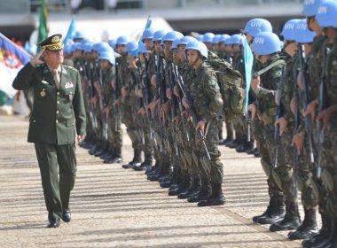 Em mensagem de Natal, comandante do Exército prevê agravamento da crise em 2017