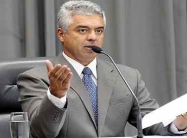 Deputado federal Major Olímpio exalta chacinas em rede social