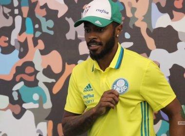 'No Palmeiras tenho tudo para ser feliz', diz Michel Bastos em apresentação