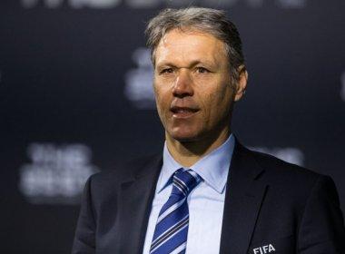 Dirigente da Fifa, Van Basten sugere fim dos pênaltis, impedimento e prorrogação