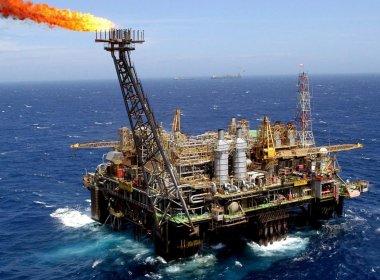 Irã projeta elevar produção de petróleo em meio a tensões com EUA