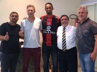 Após crítica, Boa Esporte justifica contratação do goleiro Bruno: 'Obrigação social'