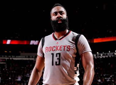 Rockets supera Cavaliers com 'triple-double' de Harden