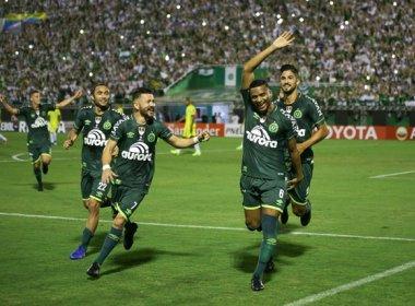 Com homenagens, Chapecoense bate Atlético Nacional e sai na frente na Recopa