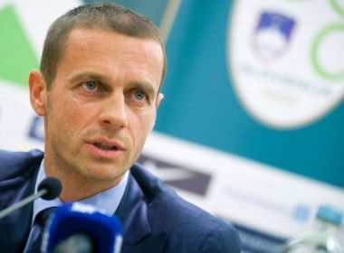 Presidente da Uefa acusa ligas europeias de 'chantagem' por calendário