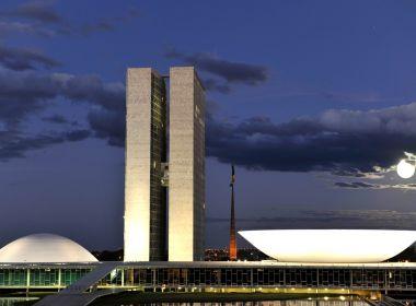 Placar mostra 273 votos contrários e 100 a favor da reforma da Previdência