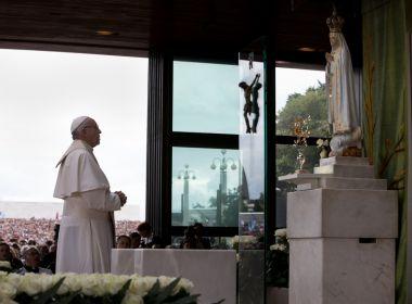 Papa Francisco visita metalúrgicos e denuncia os que exploram os trabalhadores