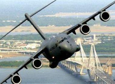 Avião militar de Mianmar com 104 passageiros desaparece após decolagem