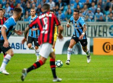 Grêmio faz 4 no Atlético-PR e fica perto da semifinal da Copa do Brasil