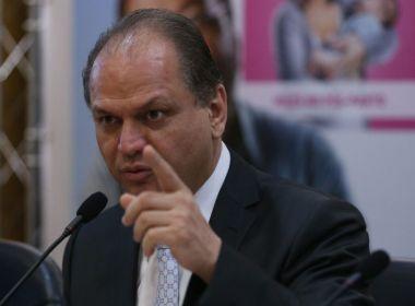 Ministro da Saúde diz que 'médico tem de parar de fingir que trabalha'