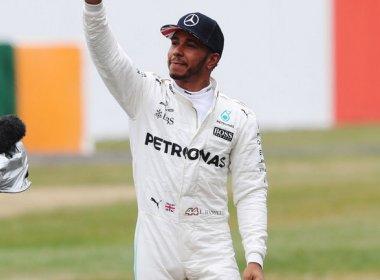 Hamilton vence na Inglaterra de ponta a ponta e reduz vantagem de Vettel