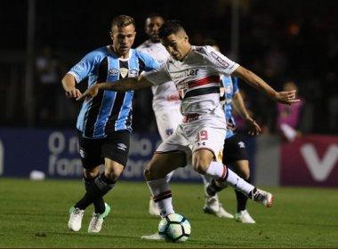 São Paulo empata com Grêmio, segue na zona de rebaixamento e ajuda o Corinthians