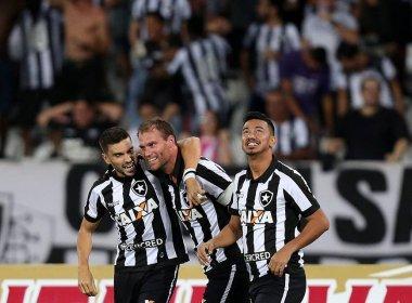 Botafogo faz 3 a 0 no Atlético-MG e se classifica às semifinais da Copa do Brasil