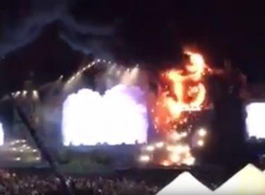 Incêndio destrói palco de festival de música em Barcelona