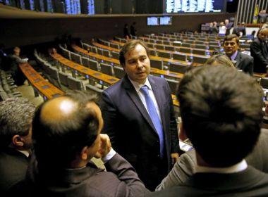Reforma política não parece ser a melhor, critica Rodrigo Maia