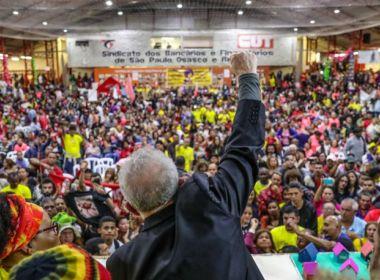 Não vou morrer antes de voltar, junto com vocês, a governar esse país, diz Lula