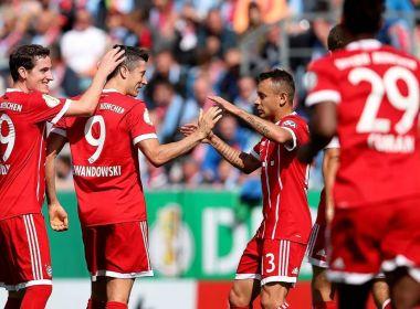 Com dois de Lewandowski, Bayern de Munique goleia na estreia da Copa da Alemanha
