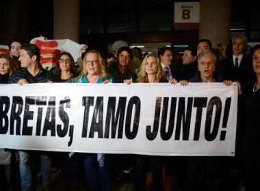 MANIFESTAÇÃO CONTRA GILMAR MENDES E A FAVOR  DO JUIZ DA OPERAÇÃO PONTO FINAL