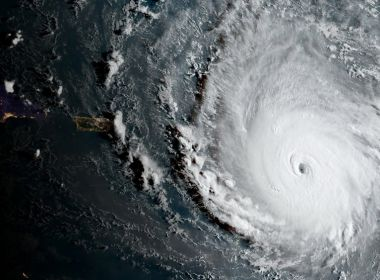 Furacão mais poderoso registrado no Atlântico, 'Irma' atinge Ilhas do Caribe