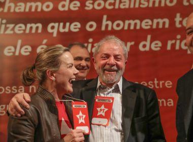 'Estamos convictos de que Lula será nosso candidato', diz Gleisi Hofmann