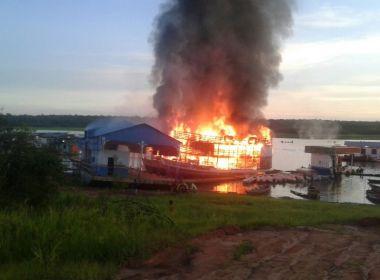 Explosão no Amazonas com envolvimento de três barcos deixa cinco feridos