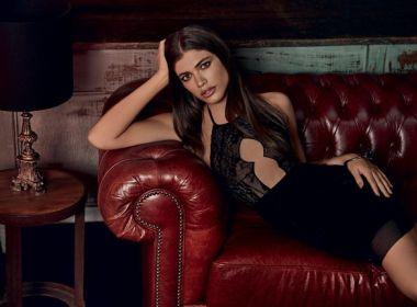 Modelo transexual brasileira estrela em campanha de lingerie