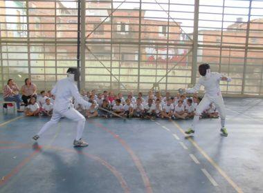Projeto gerido por atletas leva a esgrima à segunda maior comunidade de São Paulo