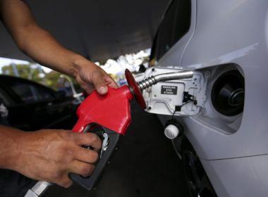 Petrobras anuncia queda de 2,10% no preço da gasolina e alta de 0,10% no diesel