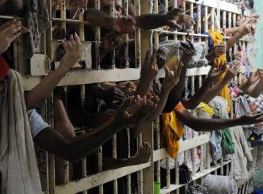 População carcerária no Brasil supera 700 mil e é a 3ª maior do mundo, diz estudo