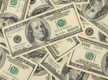 Dólar atinge maior patamar desde junho com cautela doméstica e baixa liquidez