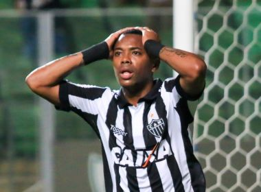 Sem contrato, Robinho encerra passagem pelo Atlético-MG e fica livre no mercado