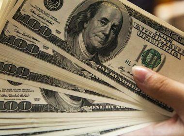 Dólar perde 2,47% na primeira semana do ano com otimismo global