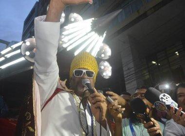 Brown inicia Carnaval de Salvador com saudação à folia tradicional na Castro Alves