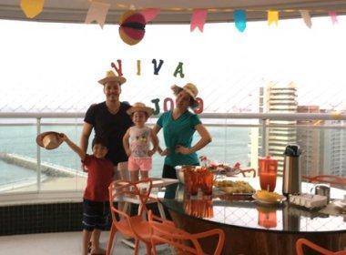 Após shows de São João, Wesley Safadão faz festa particular em casa com mulher e filhos