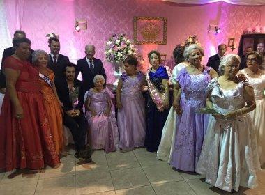 Tomate vira 'príncipe' em festa de debutantes para idosas do Abrigo do Salvador