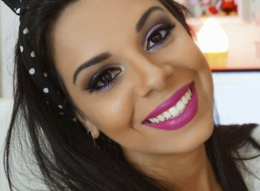 Blogueira é confundida com Anitta e arrasta multidão em feira de beleza