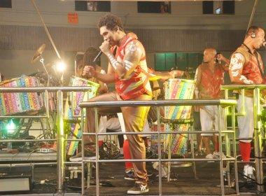 Timbalada deve apresentar nova vocalista; relação com Denny estaria desgastada