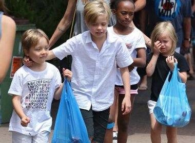 Mãe biológica de filha de Jolie implora por contato com garota