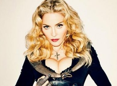 Pai das gêmeas adotadas por Madonna alega que foi enganado