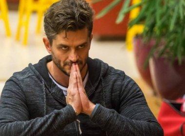 Globo decide expulsar Marcos do 'BBB' após visita da polícia