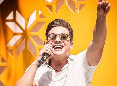 Cabelo de Wesley Safadão vira meme na internet e cantor é comparado a David Brazil